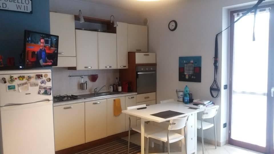 Appartamento in ottime condizioni arredato in affitto Rif. 8186706