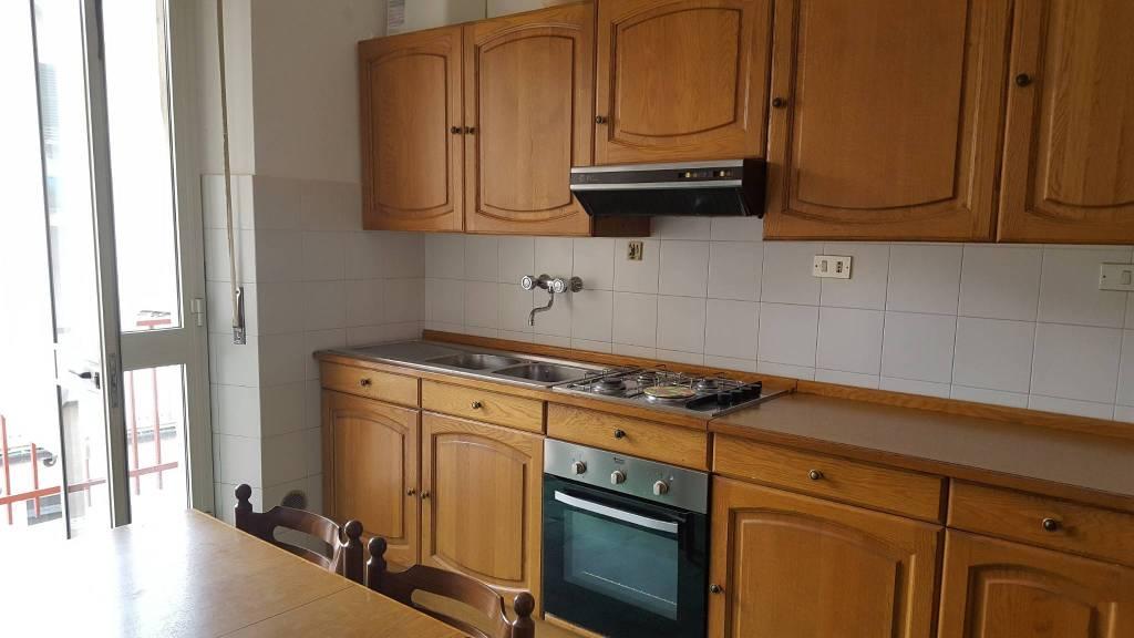 Appartamento in buone condizioni parzialmente arredato in affitto Rif. 8185943
