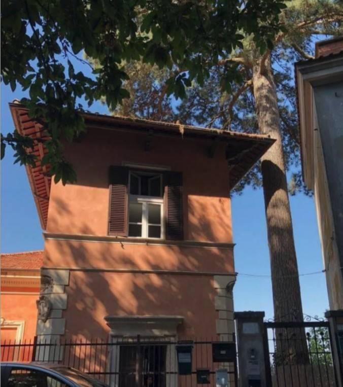 Appartamento in buone condizioni arredato in affitto Rif. 8184932