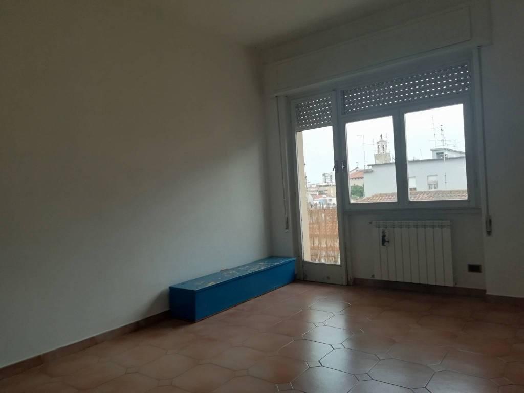 Appartamento parzialmente arredato in affitto Rif. 8187726