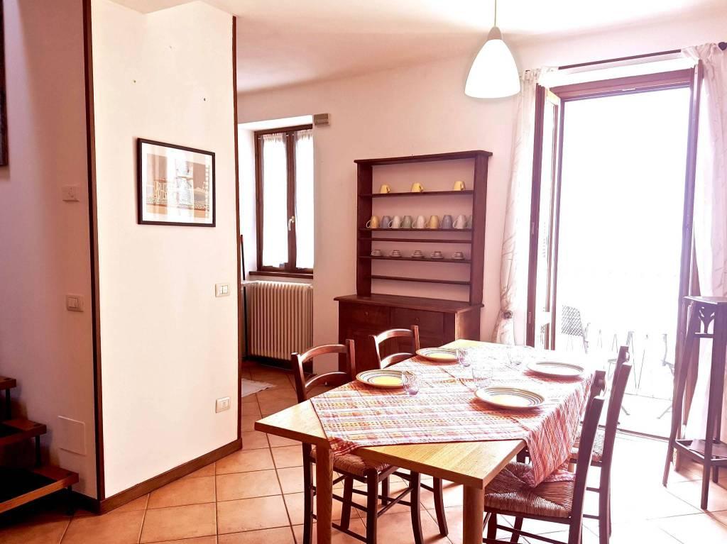 Appartamento in ottime condizioni arredato in vendita Rif. 8831929