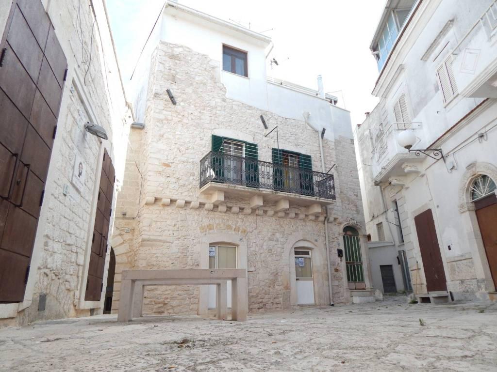 Appartamento in buone condizioni in vendita Rif. 8200758