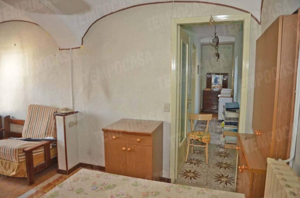 Appartamento da ristrutturare in vendita Rif. 8424285