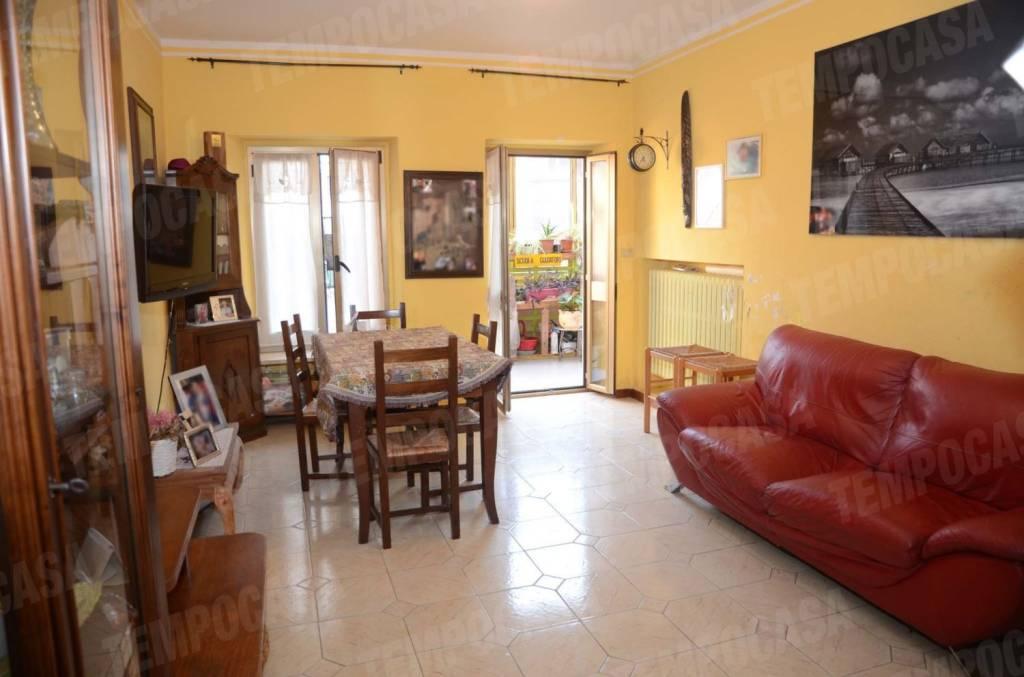 Appartamento in buone condizioni in vendita Rif. 8533013