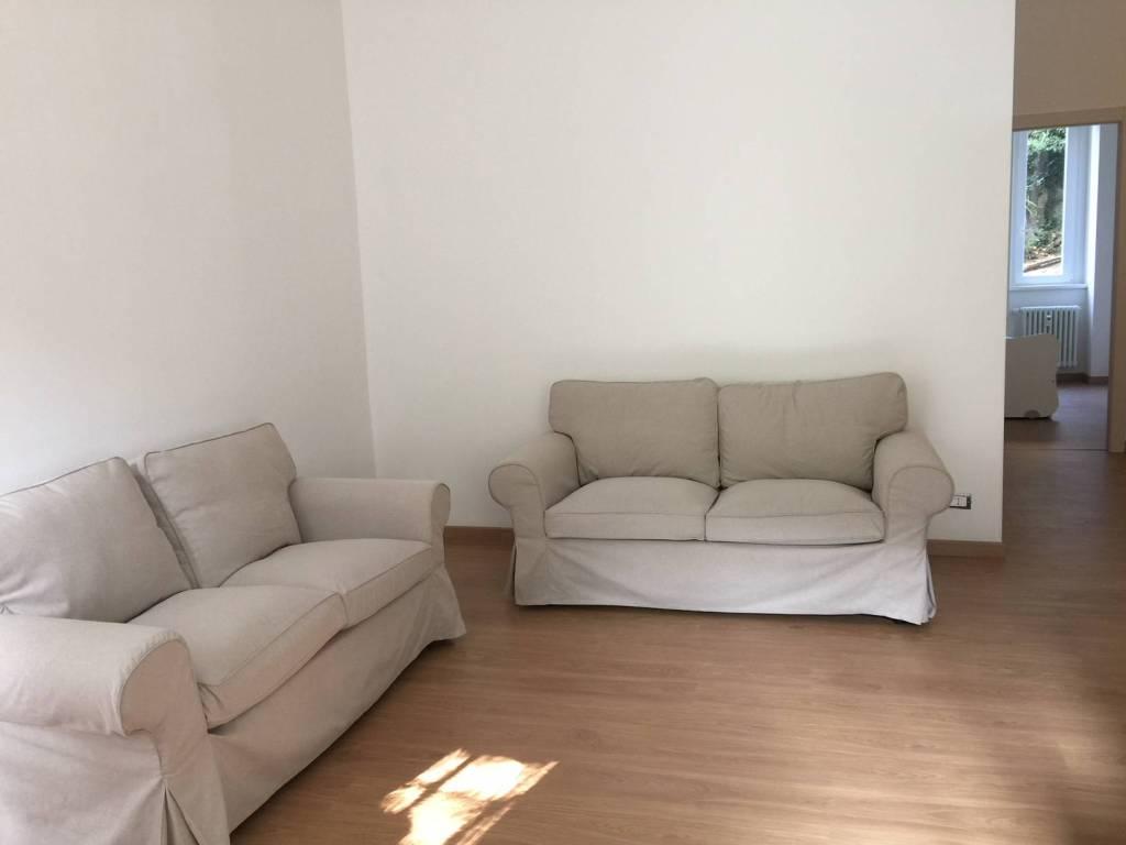 Appartamento in ottime condizioni arredato in affitto Rif. 8198981