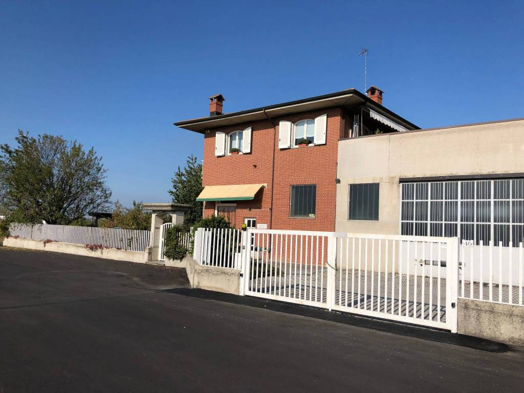 Villa in Vendita a Mondovì