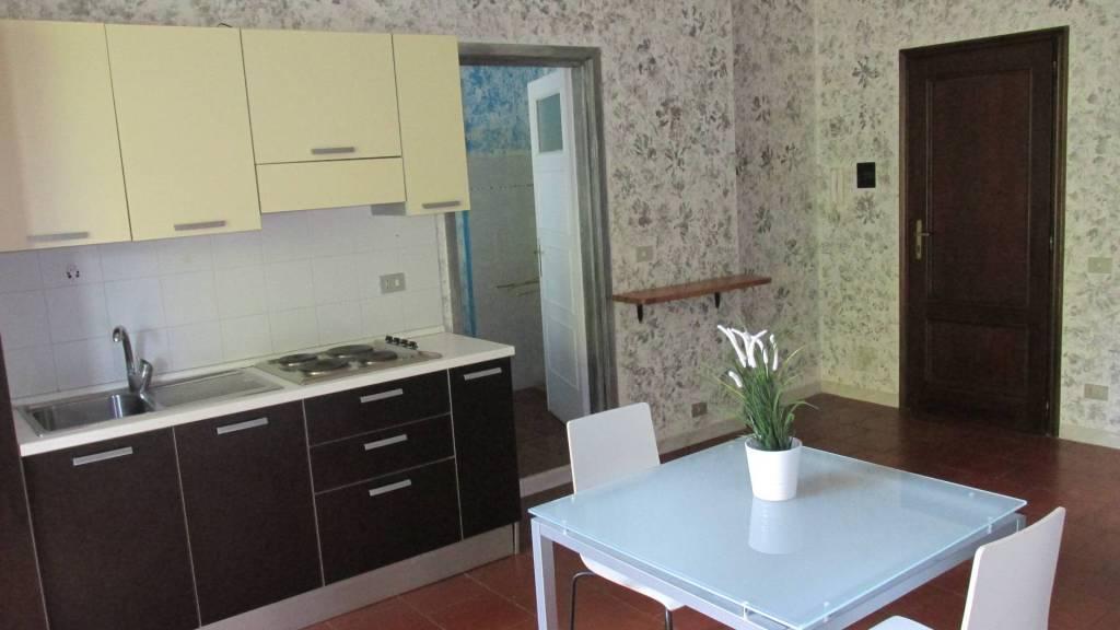 Appartamento in ottime condizioni arredato in affitto Rif. 4974011