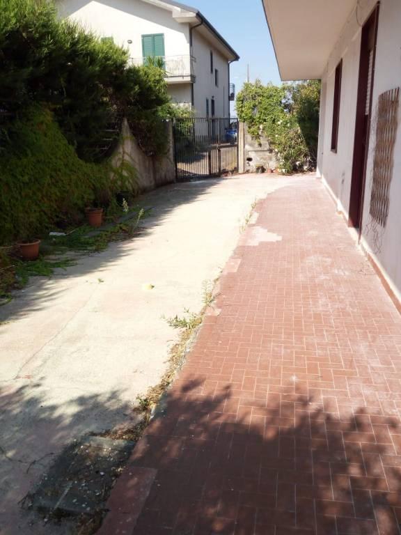 Appartamento in villa di circa 90 mq 0957928209 / 3938781243