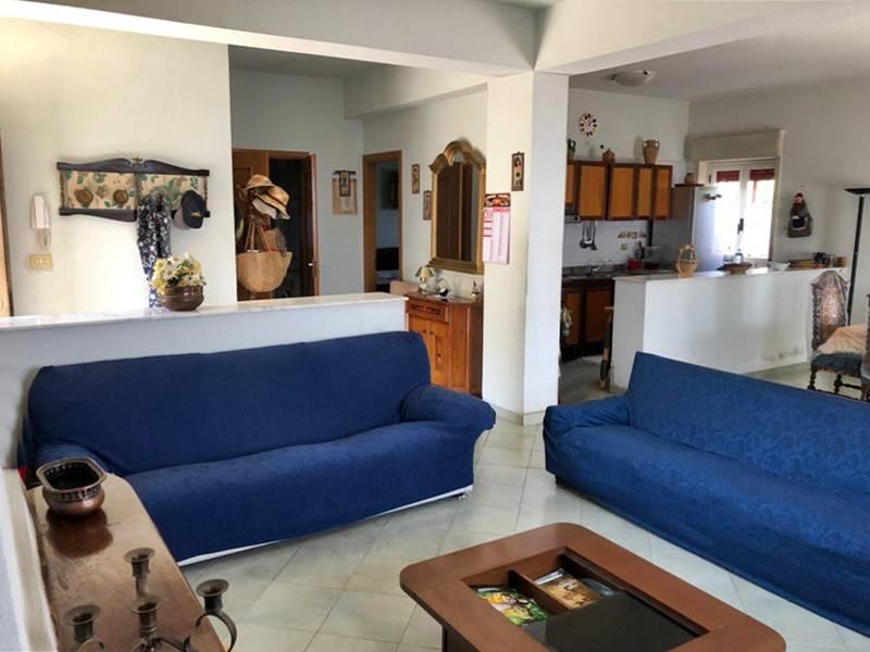 Casa Indipendente in buone condizioni in vendita Rif. 8198154