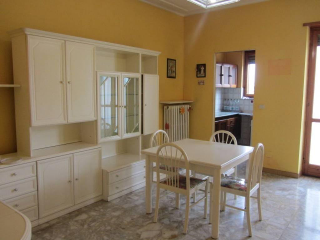Appartamento in buone condizioni parzialmente arredato in affitto Rif. 8204800