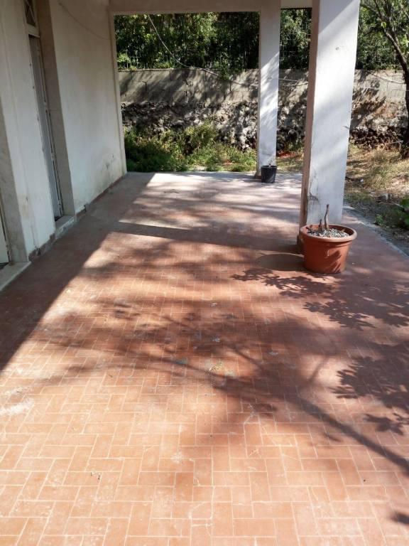 Appartamento in villa 90 mq arredato 0957928209 / 3938781243