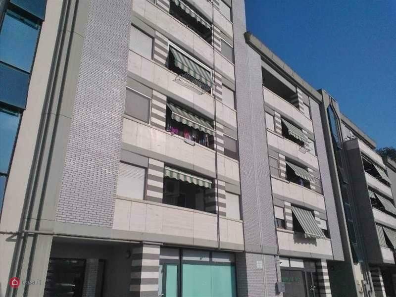 Appartamento in ottime condizioni arredato in affitto Rif. 8200895