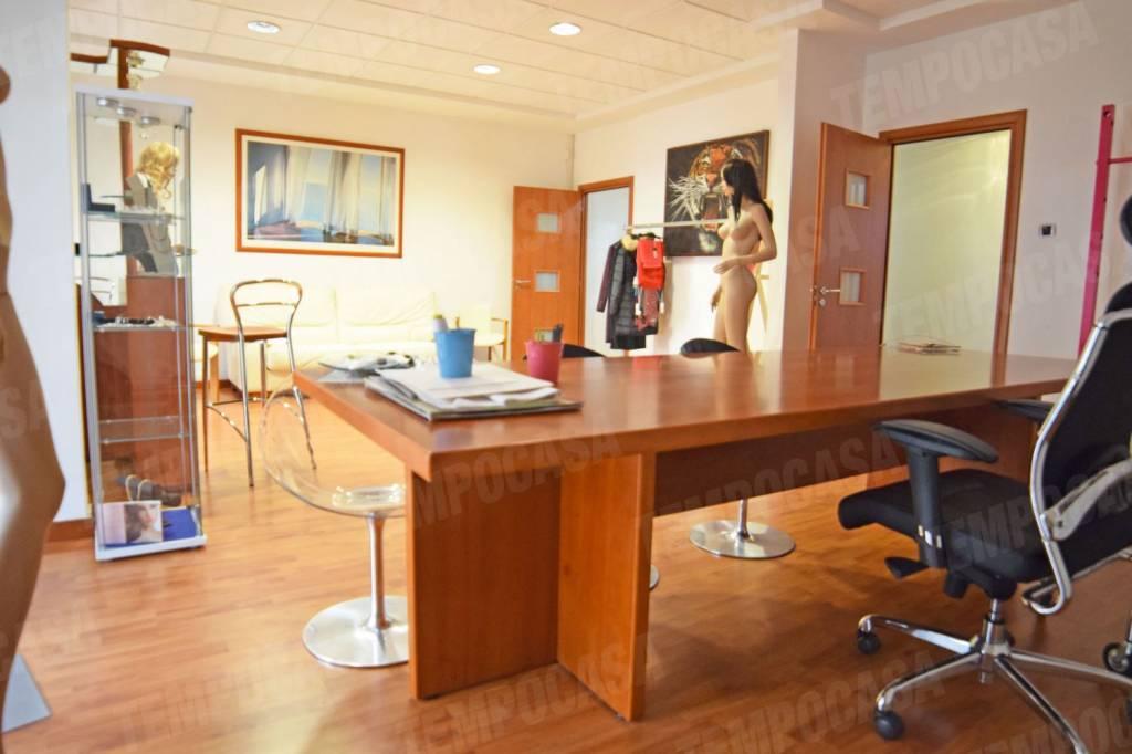 Appartamento in ottime condizioni parzialmente arredato in affitto Rif. 8198428