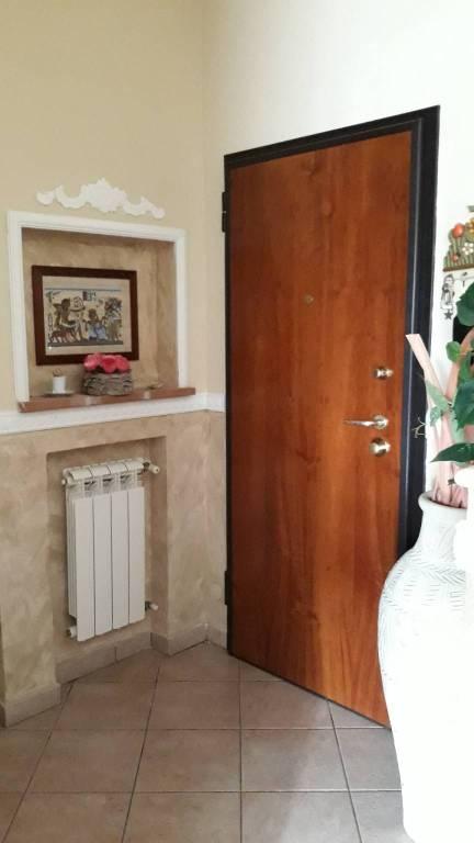 Appartamento parzialmente arredato in affitto Rif. 8200729