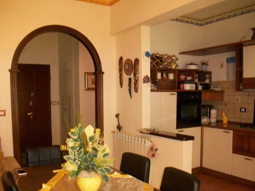 Appartamento in ottime condizioni arredato in affitto Rif. 8204467