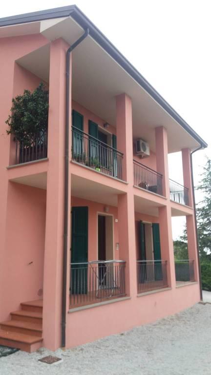 Appartamento in ottime condizioni in affitto Rif. 8200874