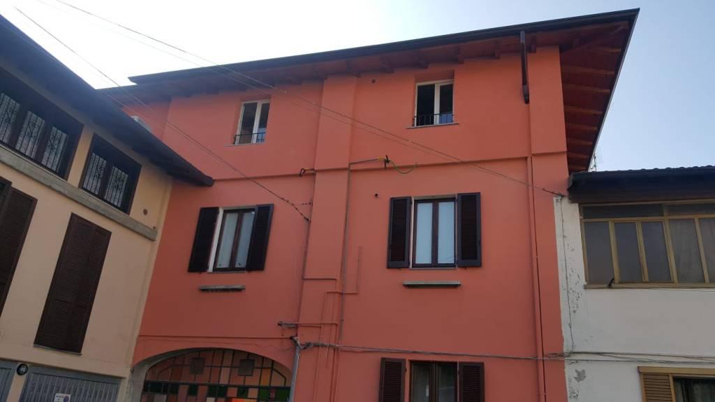 Appartamento in ottime condizioni in vendita Rif. 8156172