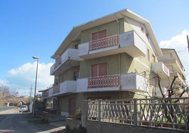 Casa Indipendente in buone condizioni parzialmente arredato in vendita Rif. 9256651