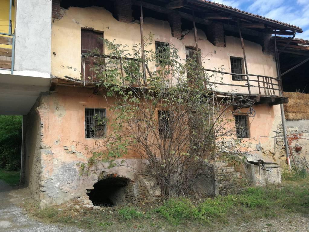 Rustico / Casale da ristrutturare in vendita Rif. 8199978