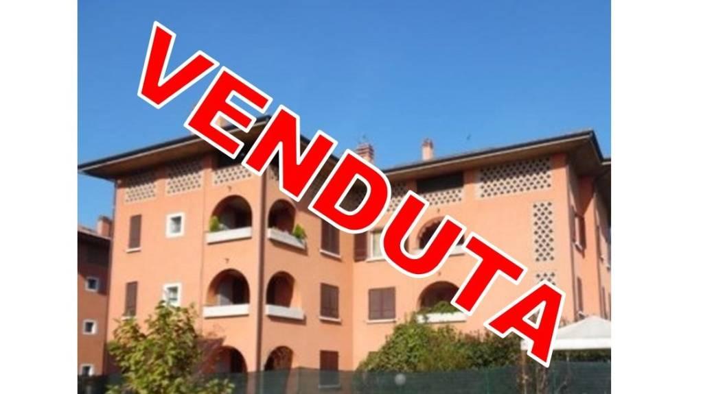 Appartamento in ottime condizioni in vendita Rif. 7421569