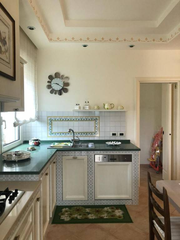 Rustico / Casale parzialmente arredato in vendita Rif. 8200424