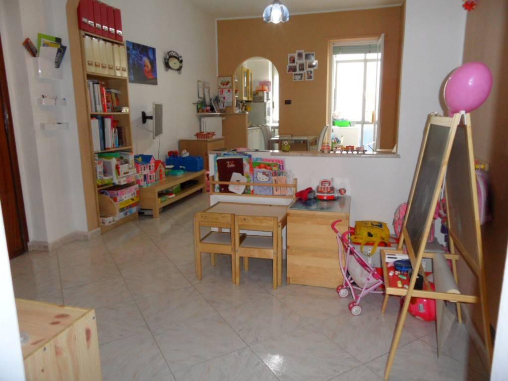 Appartamento in ottime condizioni parzialmente arredato in affitto Rif. 8188119