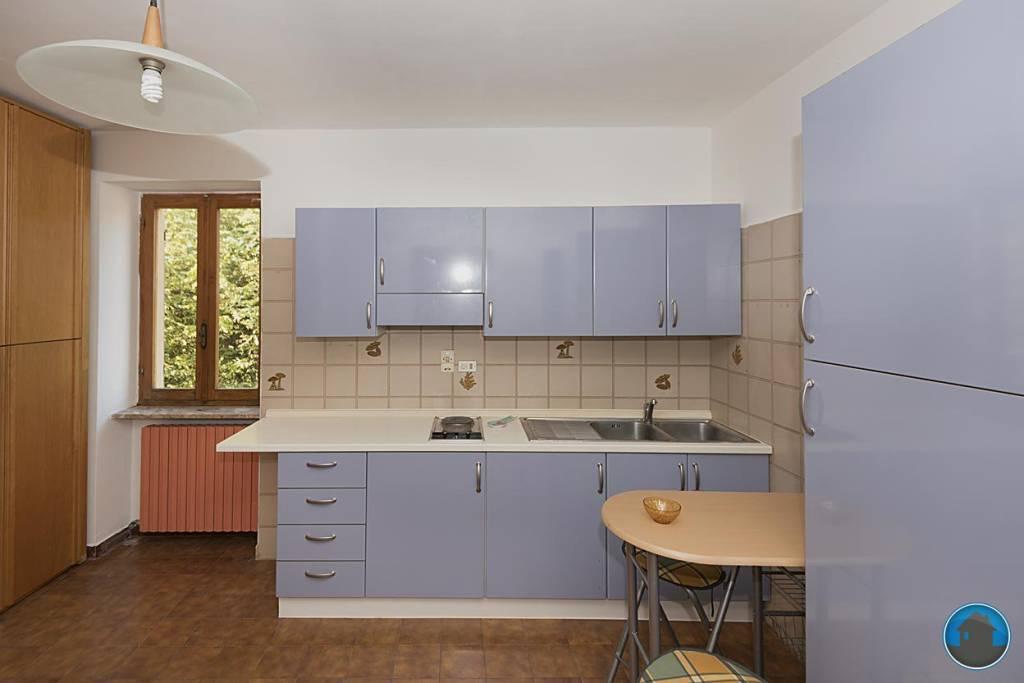 Appartamento in ottime condizioni arredato in affitto Rif. 8199131