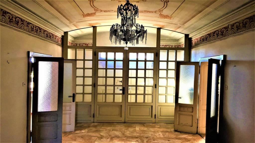Stabile / Palazzo da ristrutturare in vendita Rif. 8202515