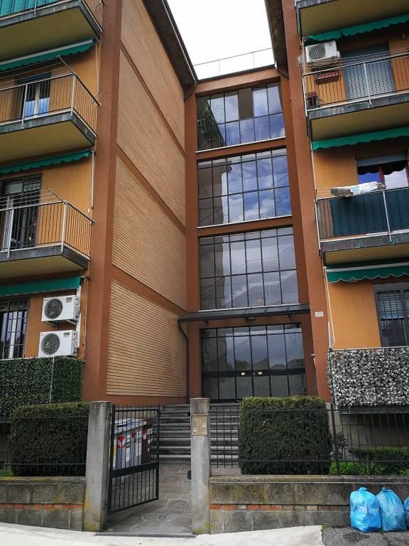 Appartamento da ristrutturare in vendita Rif. 8198600