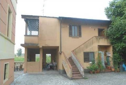 Appartamento in buone condizioni in vendita Rif. 8204611