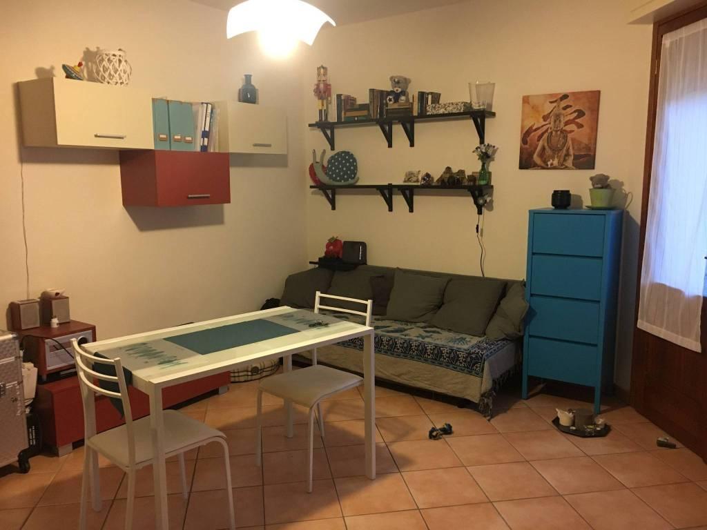 Appartamento in ottime condizioni arredato in affitto Rif. 7927030