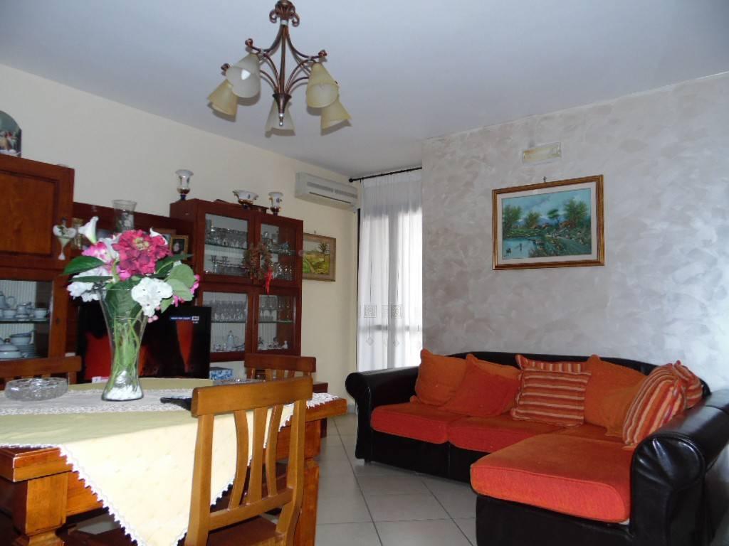 Appartamento in ottime condizioni in vendita Rif. 8201556