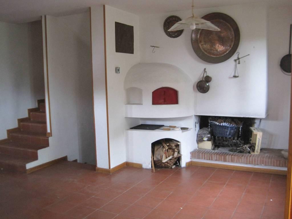 Appartamento in buone condizioni in vendita Rif. 8199353
