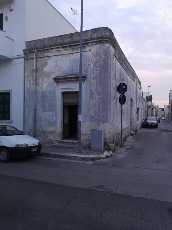 Appartamento in vendita a Veglie, 4 locali, prezzo € 44.000   PortaleAgenzieImmobiliari.it