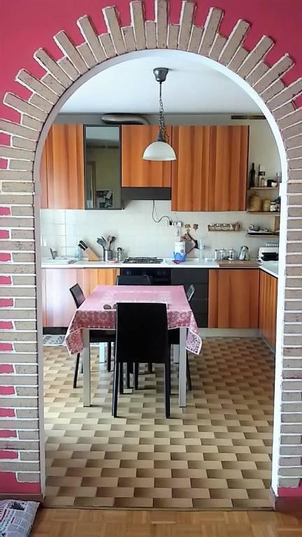 Appartamento in buone condizioni in vendita Rif. 8199236