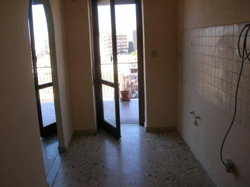 Appartamento in buone condizioni in affitto Rif. 8198769