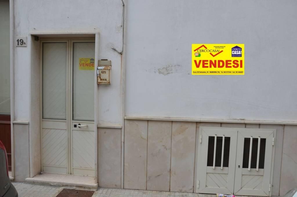 Appartamento da ristrutturare in vendita Rif. 8199355