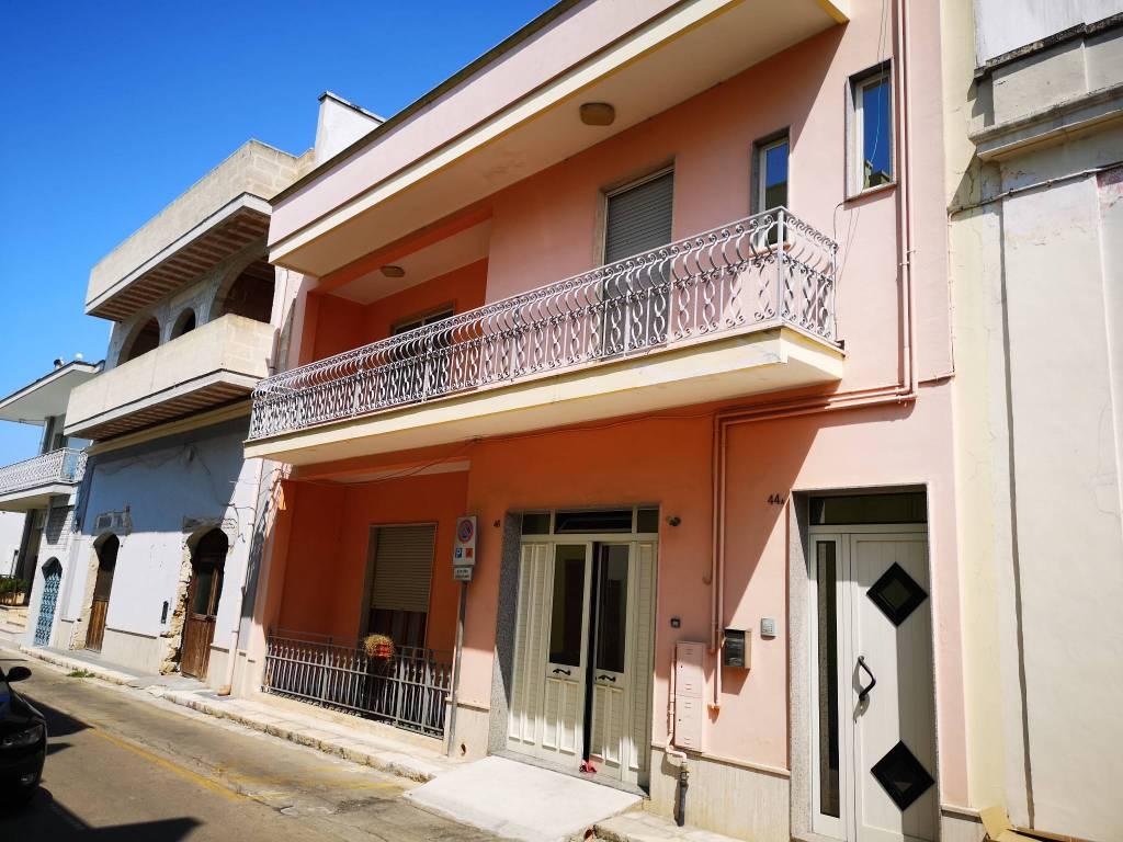Appartamento in ottime condizioni in vendita Rif. 8199107