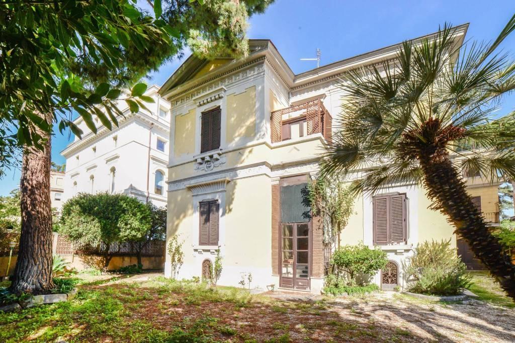 Villa in vendita a Roma, 11 locali, zona Zona: 4 . Nomentano, Bologna, Policlinico, Trattative riservate | CambioCasa.it
