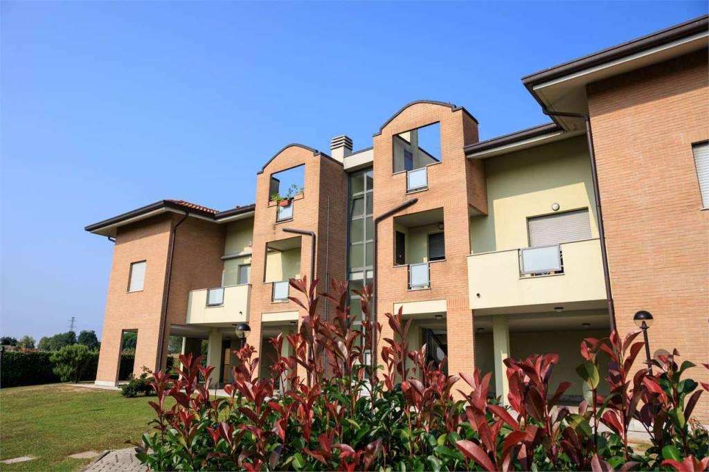 Appartamento in ottime condizioni in vendita Rif. 8756652