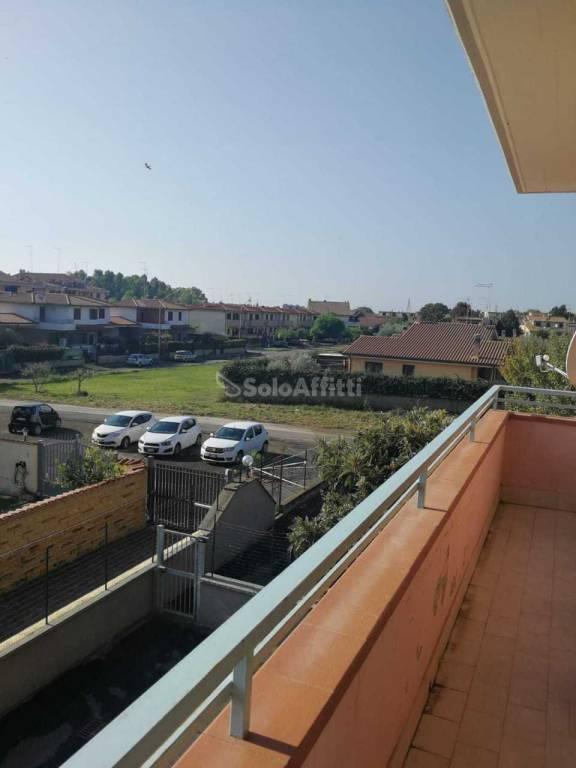 Appartamento in ottime condizioni arredato in affitto Rif. 8229744