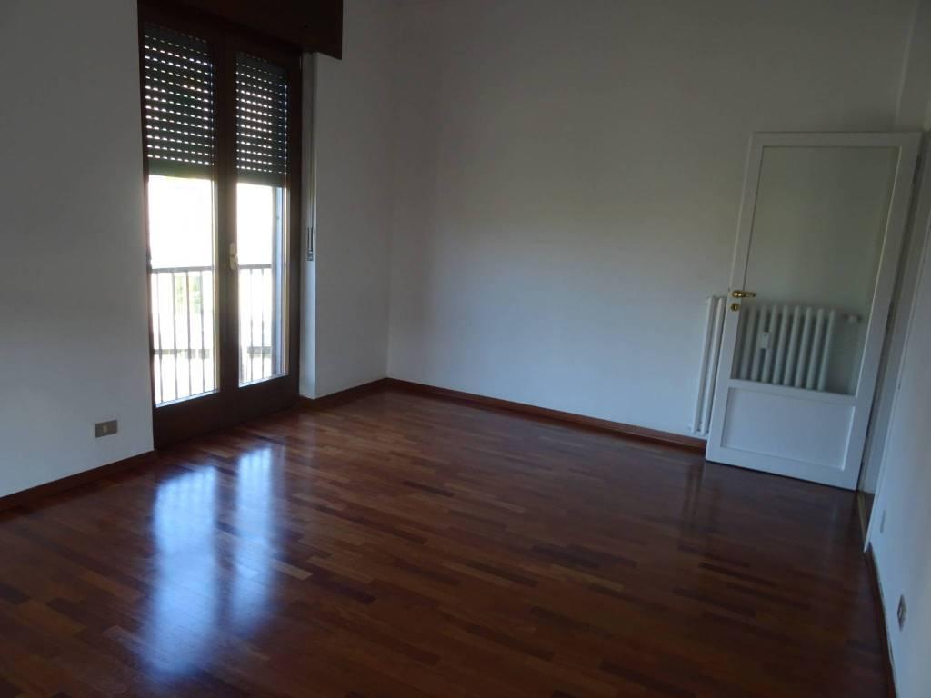 Appartamento in ottime condizioni in vendita Rif. 8227183