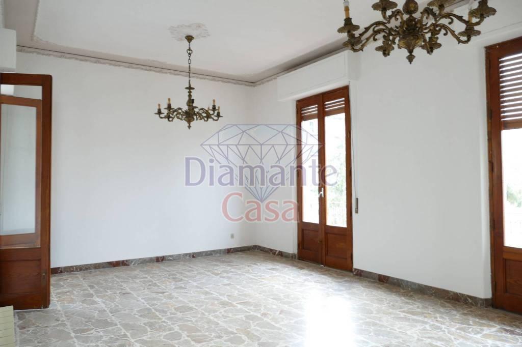 Appartamento in Vendita a Giarre Centro: 4 locali, 115 mq