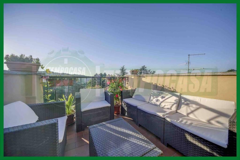 Appartamento in ottime condizioni in vendita Rif. 8212441