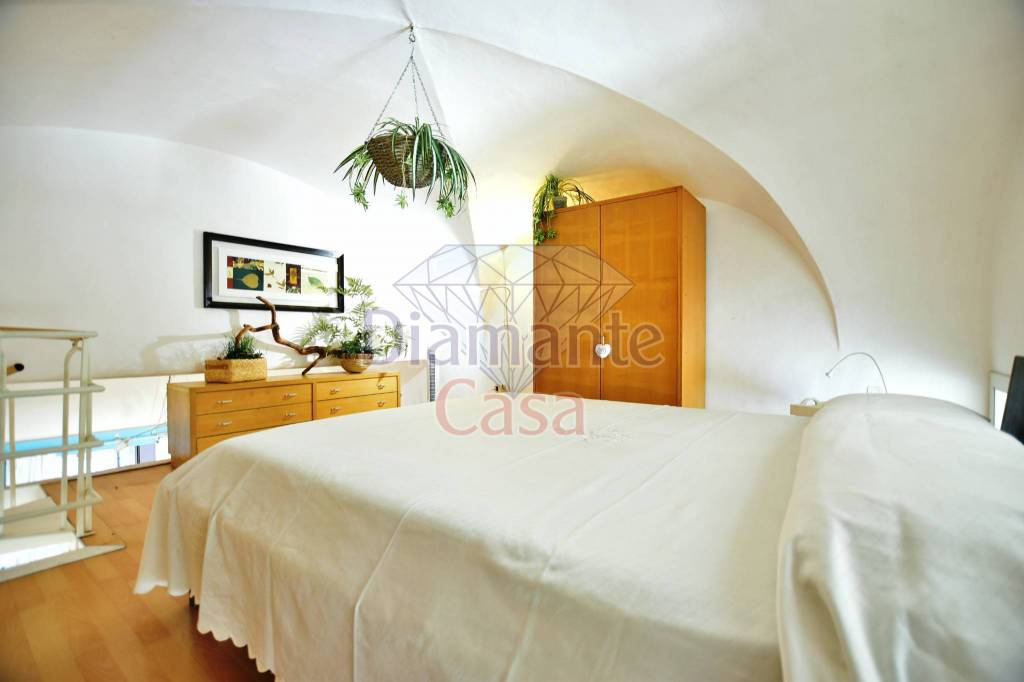 Appartamento in Vendita a Catania Centro:  2 locali, 83 mq  - Foto 1