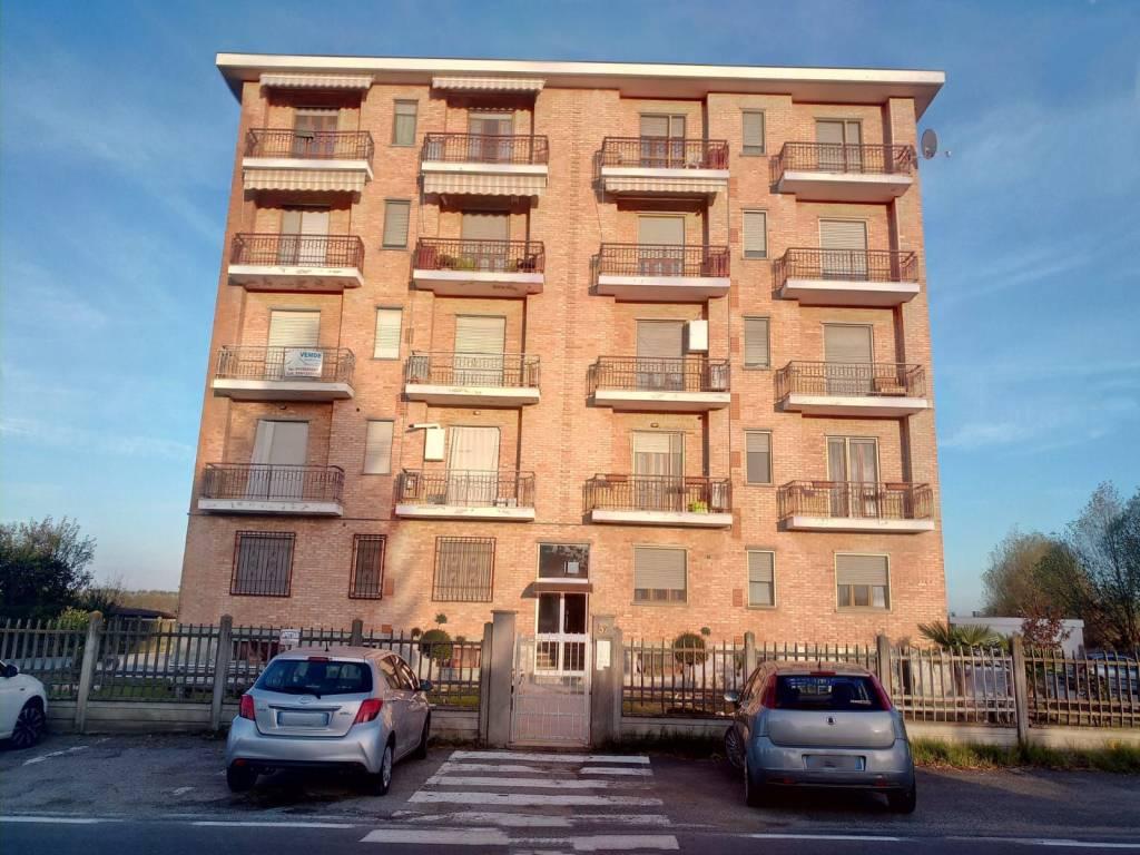 Appartamento in ottime condizioni arredato in vendita Rif. 8272318