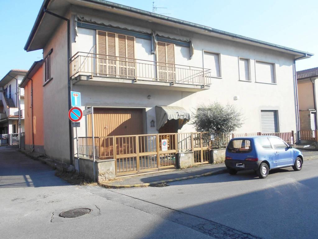 Casa Indipendente in buone condizioni in vendita Rif. 8215677
