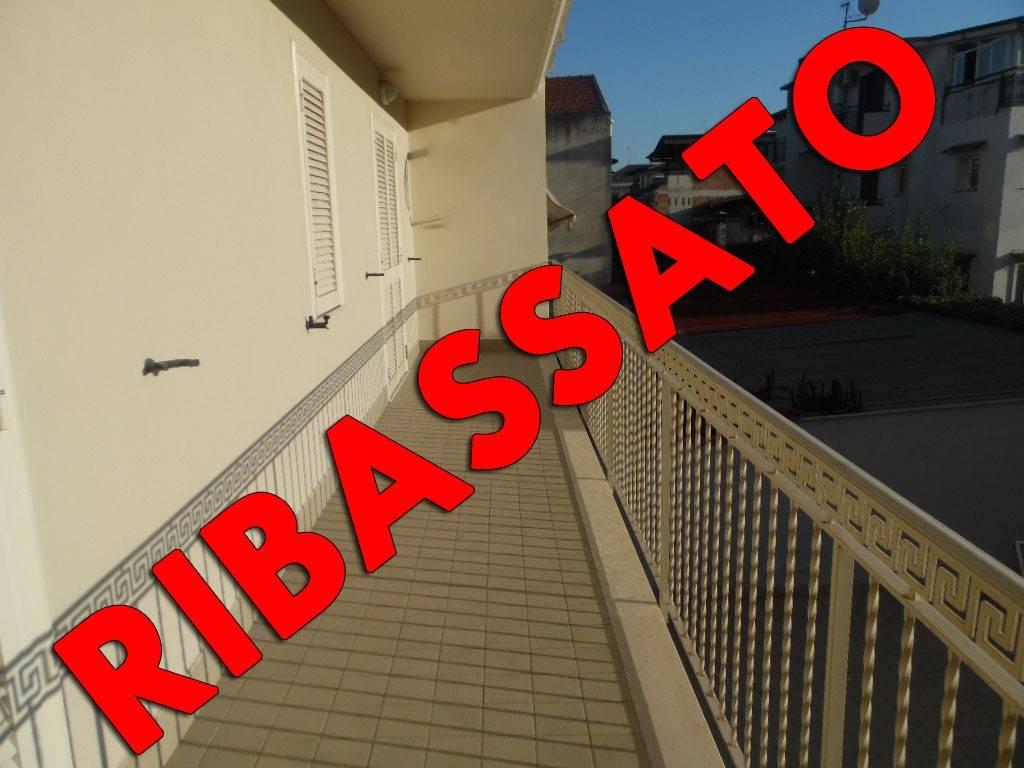 Appartamento in ottime condizioni in affitto Rif. 7175549