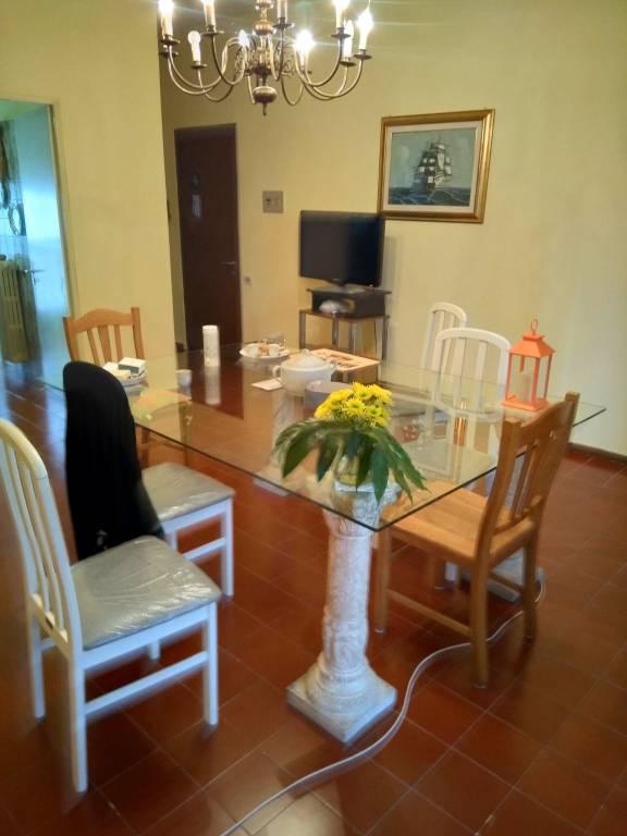 Appartamento in buone condizioni parzialmente arredato in vendita Rif. 8215437