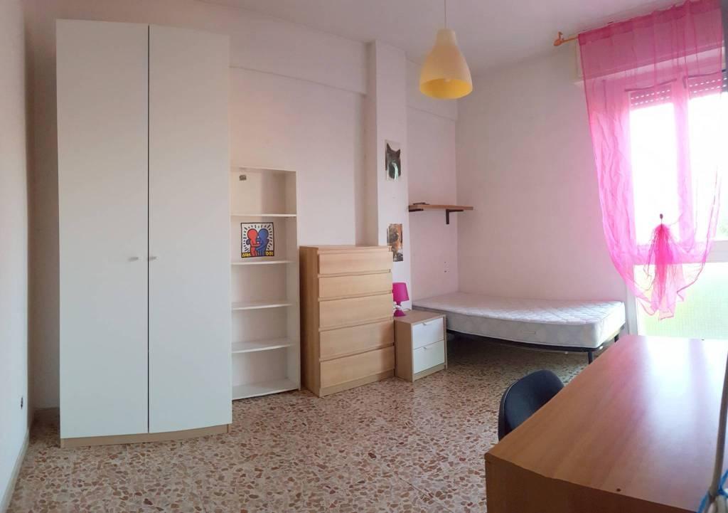 Appartamento in buone condizioni in affitto Rif. 7970565